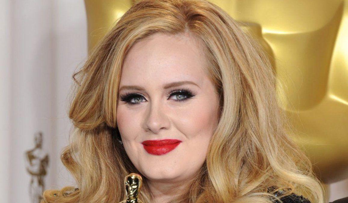 Adele se atrevió a una bikini e impactó en Instagram