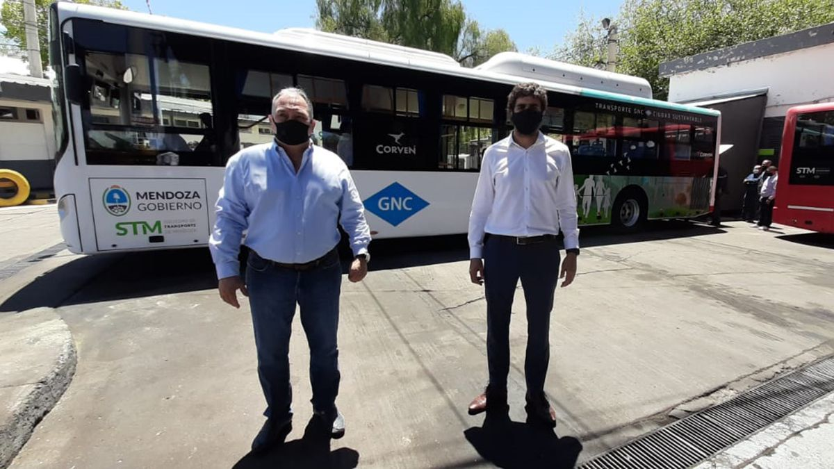 Ya circula en Mendoza el primer micro del país 100% a GNC