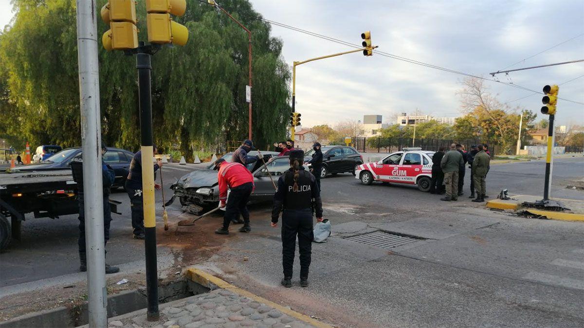 Un policía resultó gravemente herido por el accidente