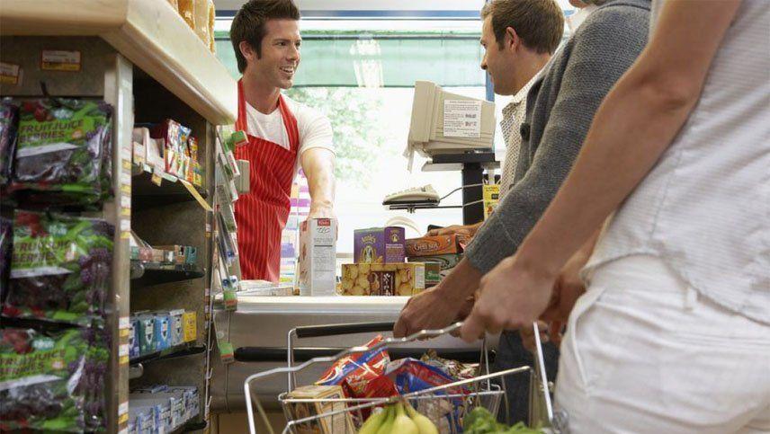 Cómo funcionan los servicios este 25 de diciembre en Mendoza: shoppings, bancos y supermercados