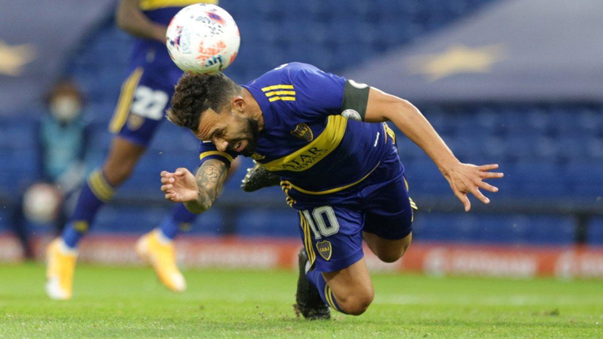 ¿Hubo falta de Tevez sobre Maidana en el gol de Boca?