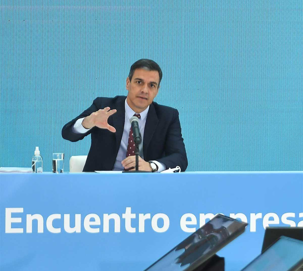 Pedro Sánchez ratificó su respaldo absoluto al país ante el FMI tras reunirse con Alberto Fernández. Foto: NA.