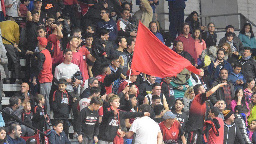Miles de hinchas presenciaron la final de la Superliga de básquetbol