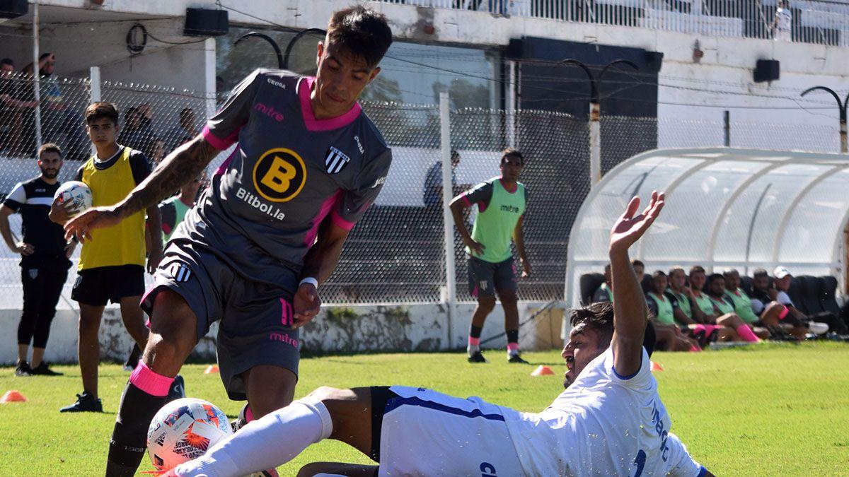 Santiago González estará en el ataque de Gimnasia y Esgrima.