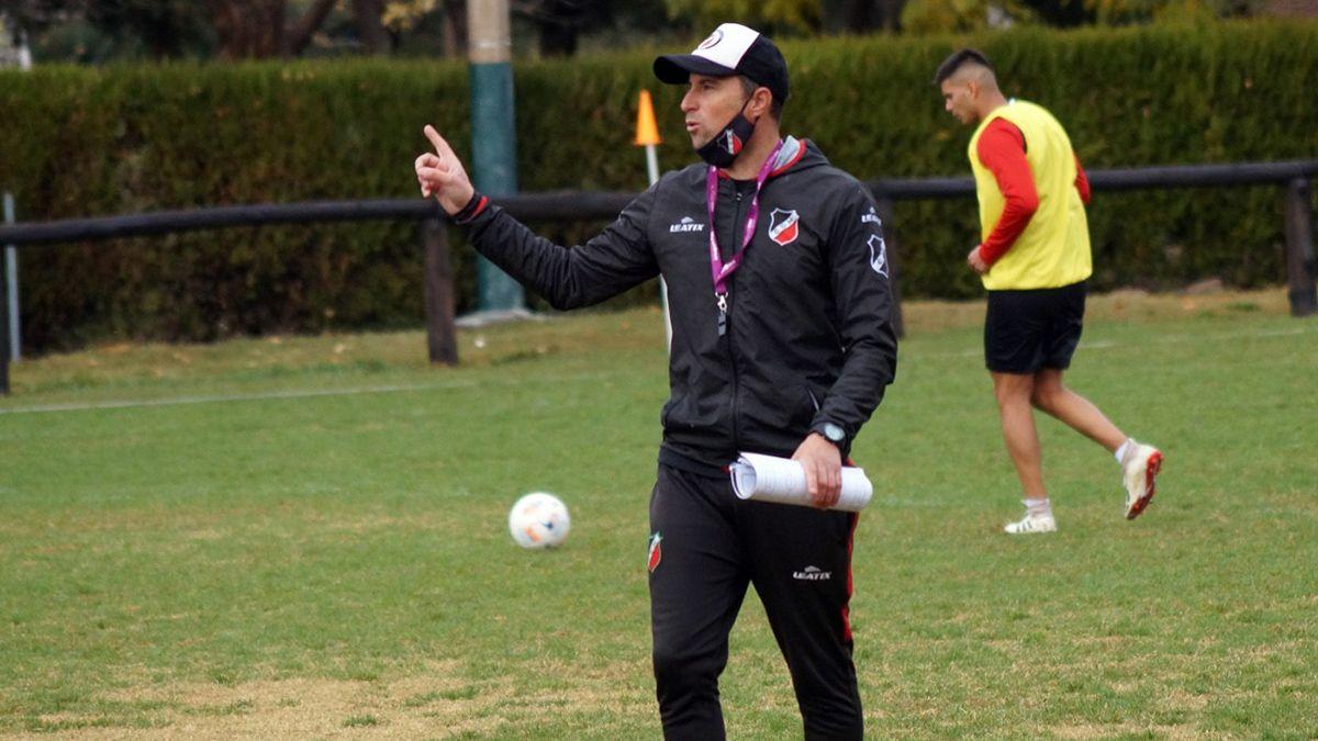 El entrenador Luciano Theiler ya piensa en el equipo que jugará ante el Funebrero.
