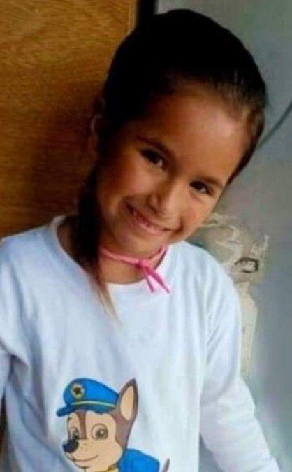 Desesperada, busca a su hija de 7 años: la niña se fue con un hombre que le prometió una bicicleta