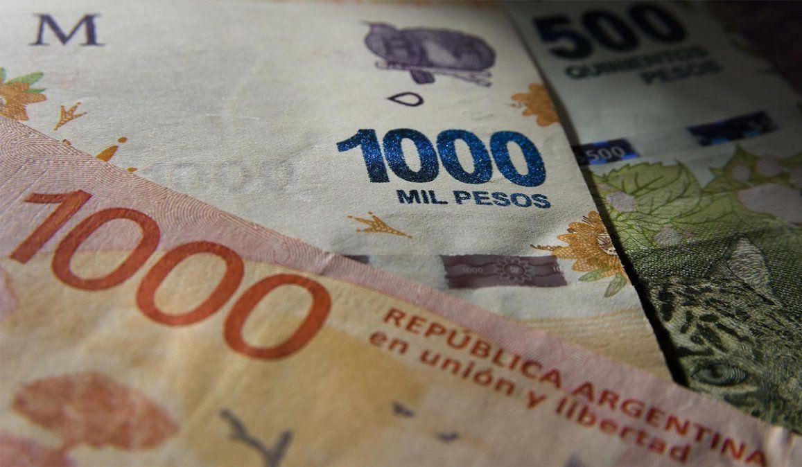 El Gobierno pretende impulsar el ahorro en pesos y la inversión para evitar la fuga de capitales. Para ello