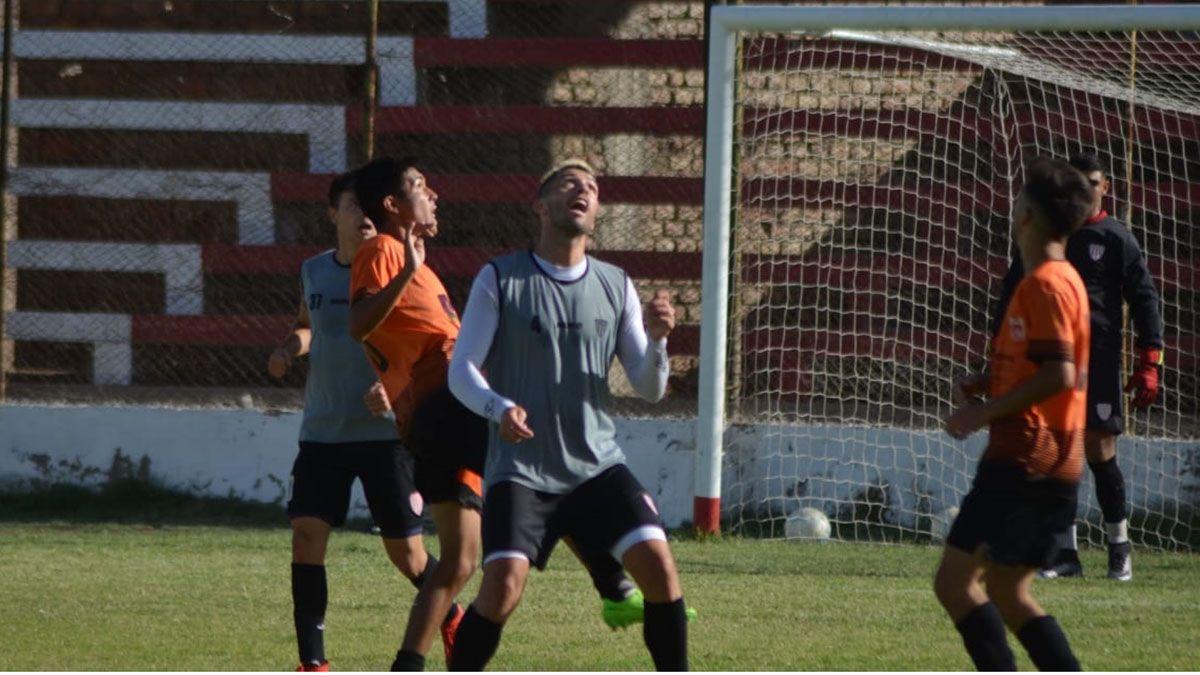San Martín y Rivadavia empataron 0 a 0. Foto: Alberto Gutiérrez.