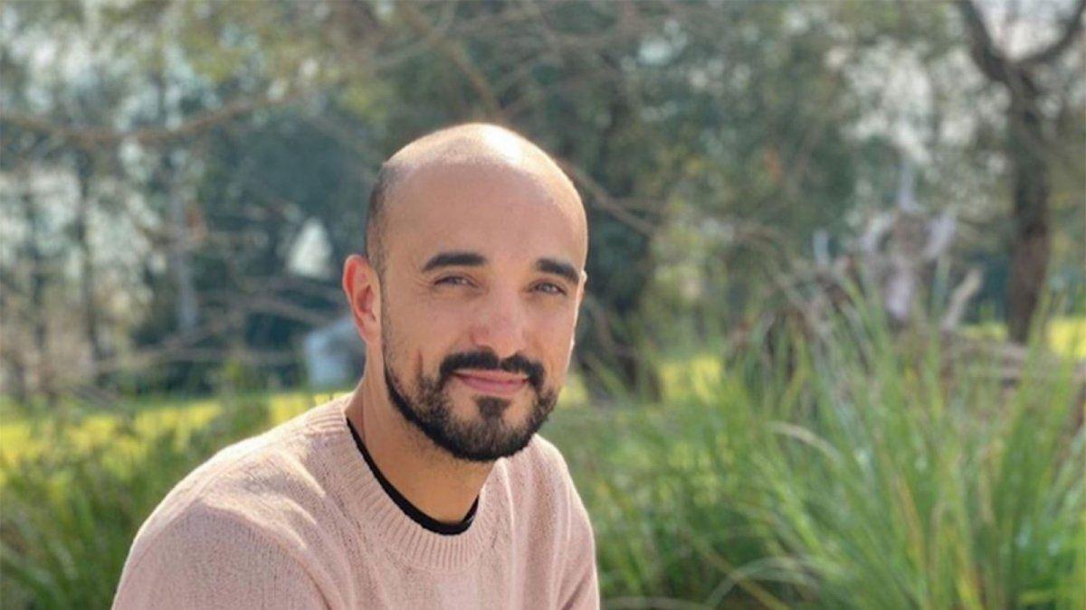 Abel Pintos presentó su nueva canción Piedra libre