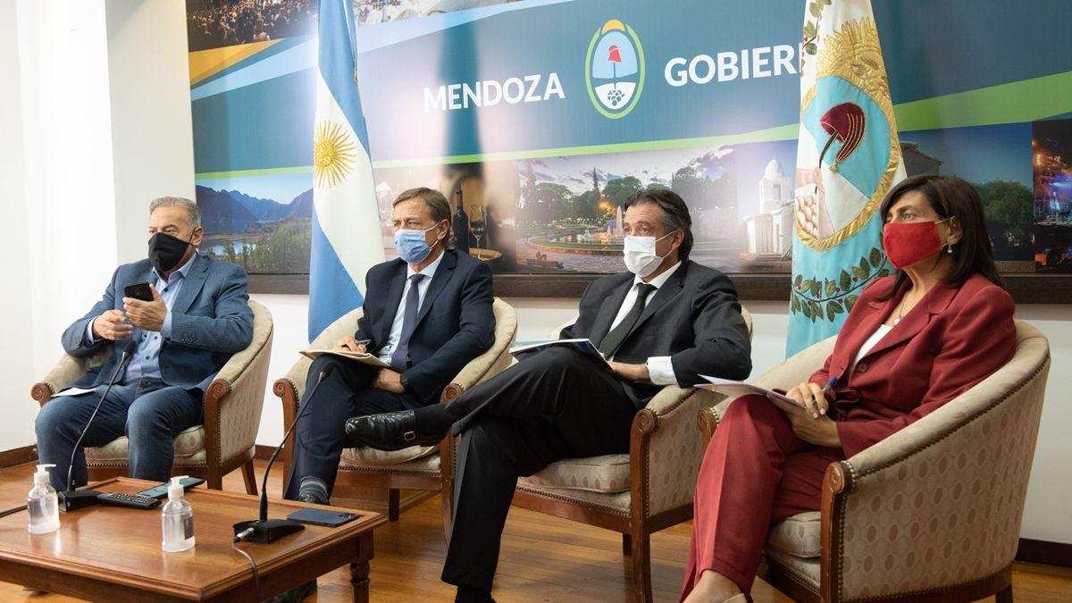 Covid: qué planteó Suarez sobre las restricciones y controles en pasos fronterizos