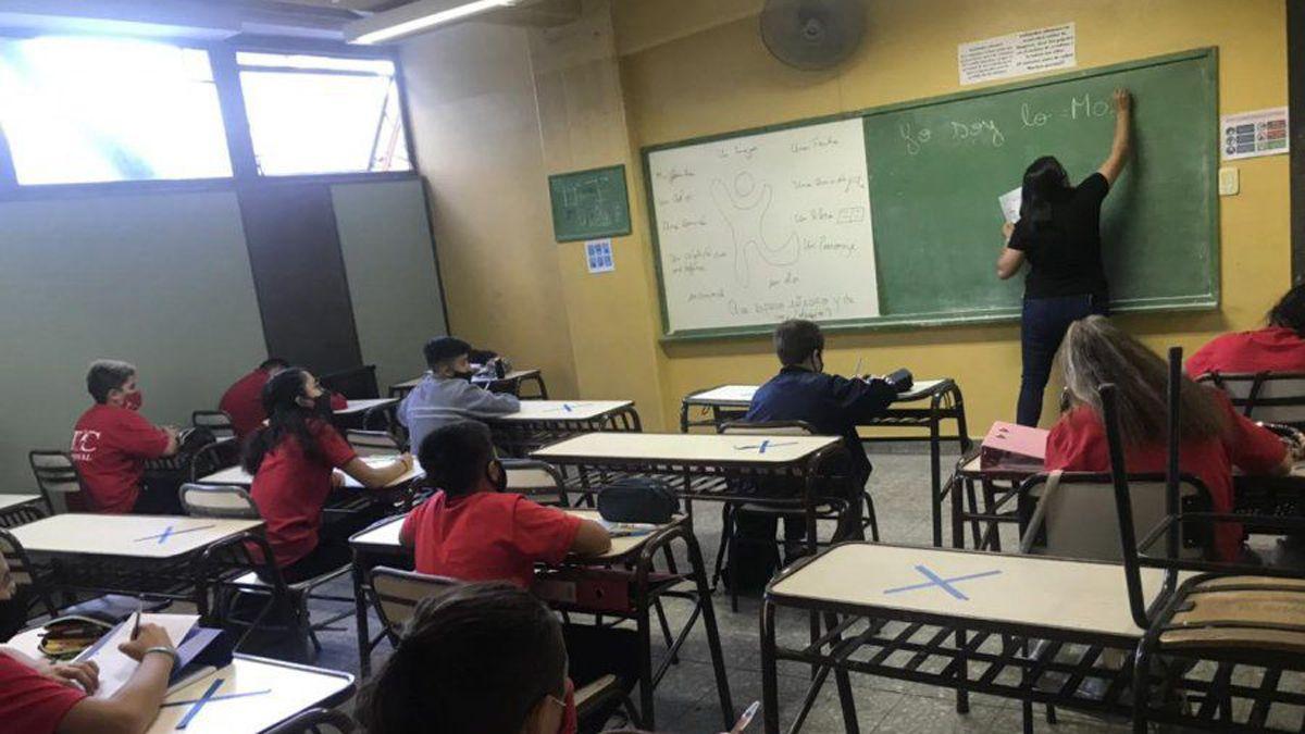 Desde el unes los alumnos de San Juan de todos los niveles educativos volverán a las escuelas y a las clases preseciales
