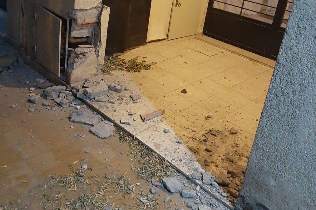 Fuerte réplica del terremoto en San Juan se sintió en Mendoza. El sismo dejó daños en estructuras como en esta casa del departamento sanjuanino Rivadavia. Foto: Gentileza