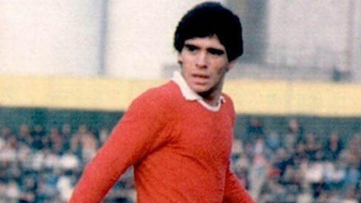 Un muy joven Maradona