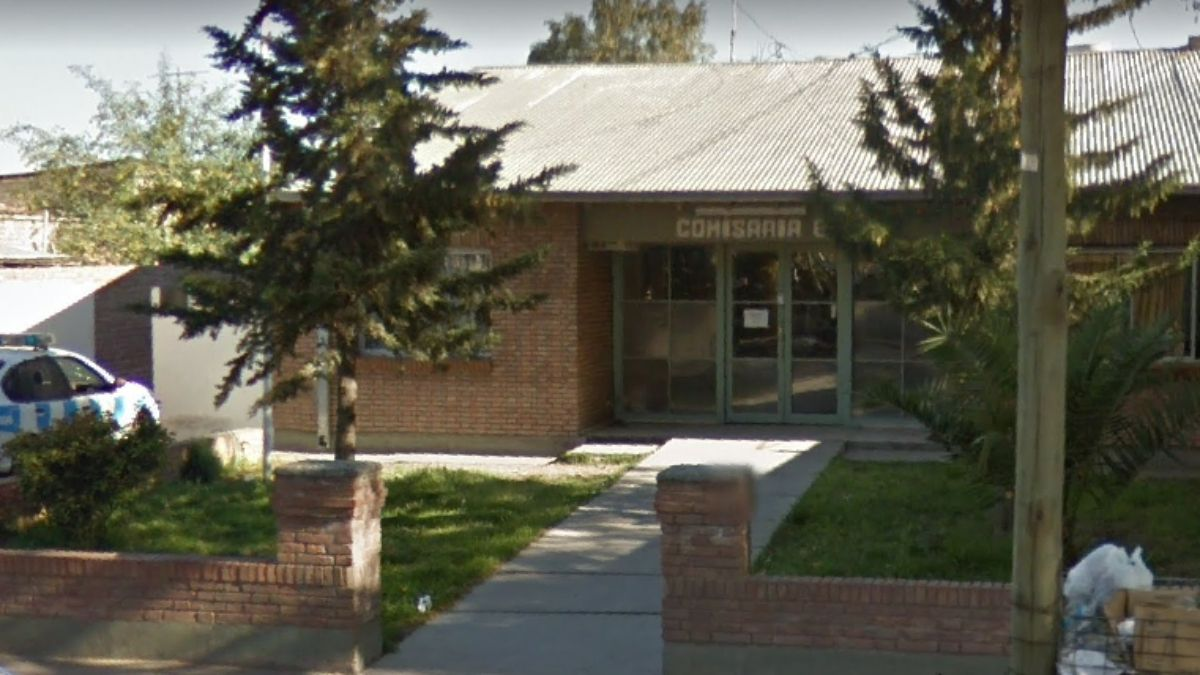 Un llamado a la Comisaría 8° de San Rafael alertó sobre ruidos y la presencia de un hombre sobre el techo de una vivienda
