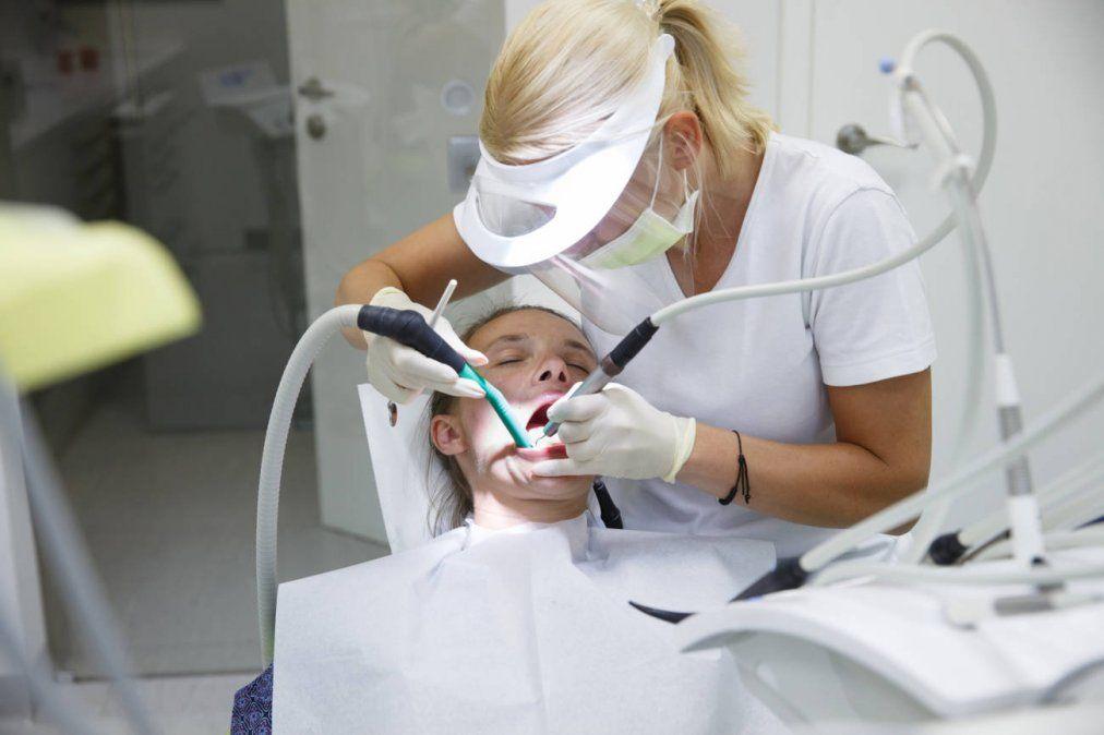 Profesionales mendocinos buscan que la odontología sea considerada una actividad de alto riesgo con la alta exposición a diferentes enfermedades