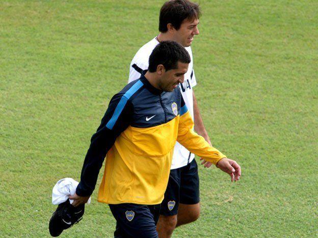 Riquelme, con gastroenteritis, no entrenó pero llegaría al choque ante Nacional de Montevideo