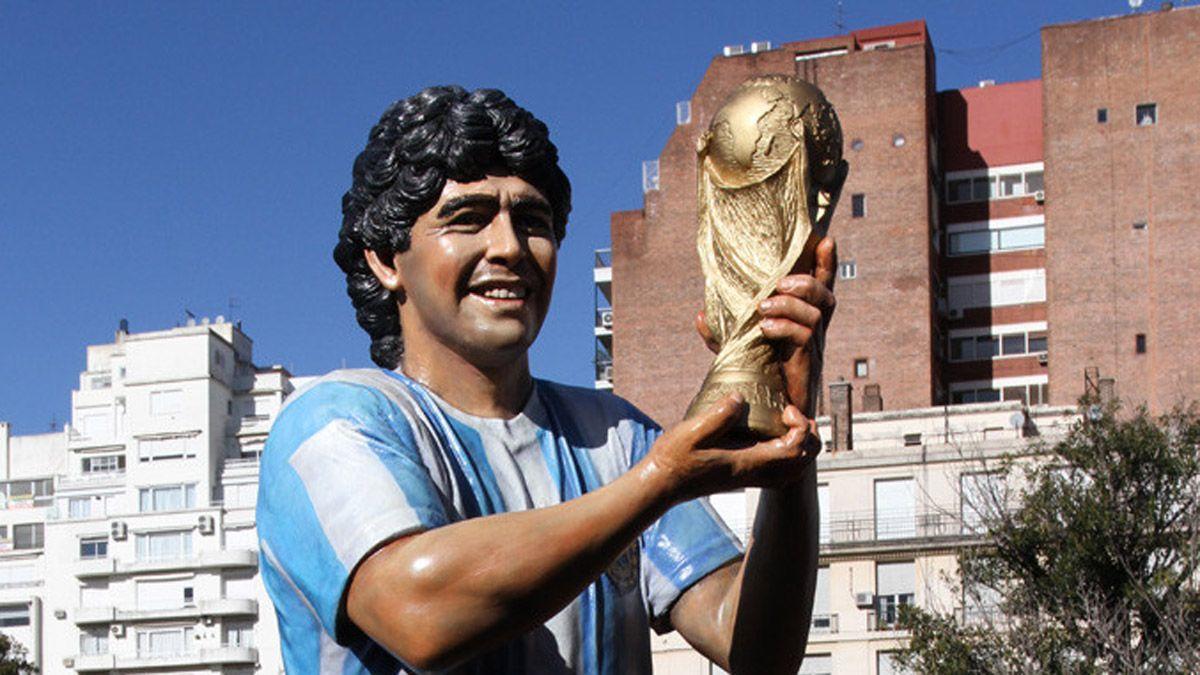 Se viene una gran estatua de Maradona, en un lugar único