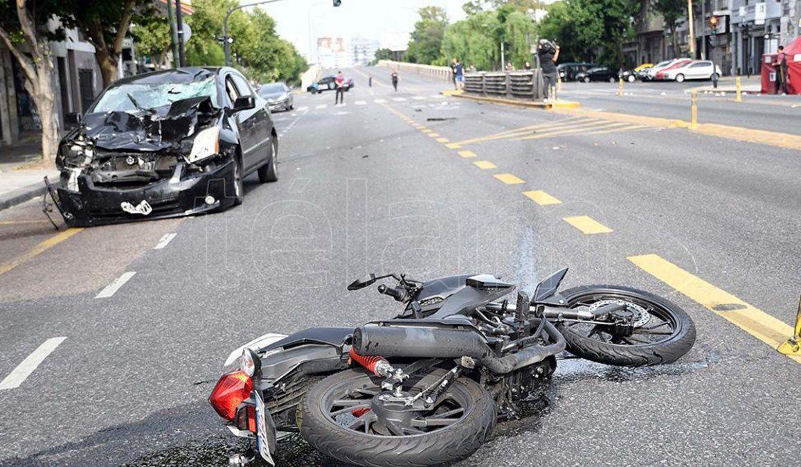 El joven que atropelló y mató a las dos chicas conducía a gran velocidad y cruzó el semáforo en rojo al momento de colisionar a la moto