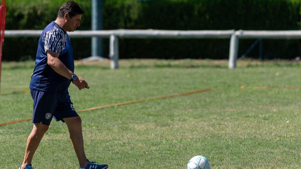 El entrenador tiene todo listo para el debut ante Barracas Central.