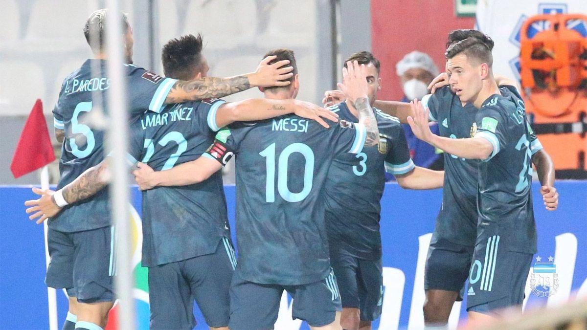 La Selección argentina bajó en la clasificación FIFA