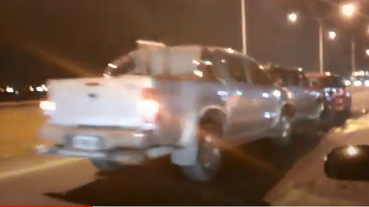 Video: cuatro autos involucrados en un choque