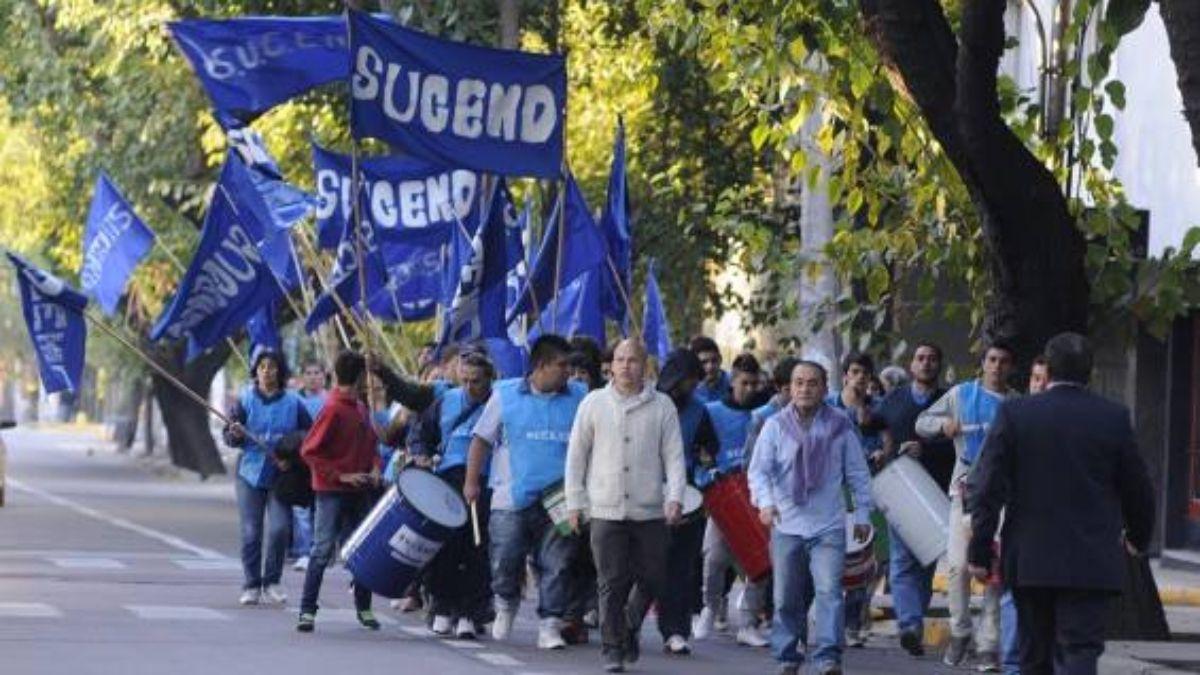 Los afiliados al sindicato de celadores Sucend están muy enojados con quienes los representaron en las paritarias con el gobierno provincial
