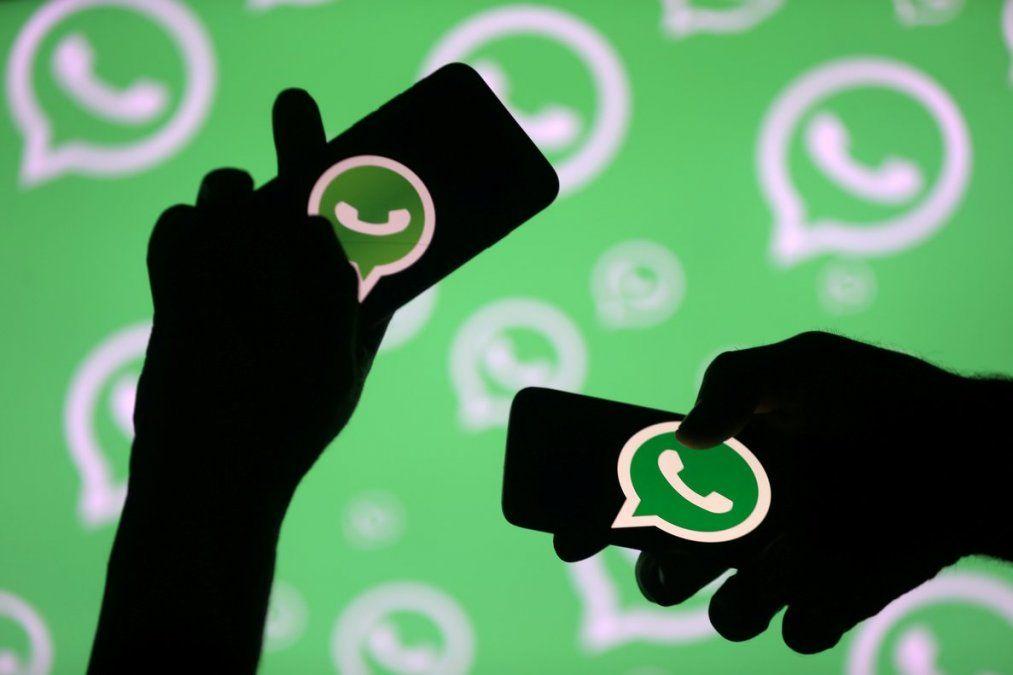 WhatsApp tiene algunos secretos para poder escuchar audios sin clavar el visto