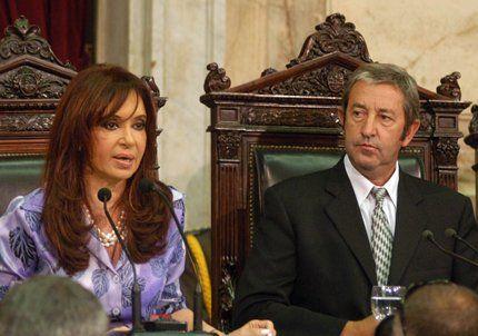 Cristina Kirchner derogó el decreto que creó el Fondo del Bicentenario