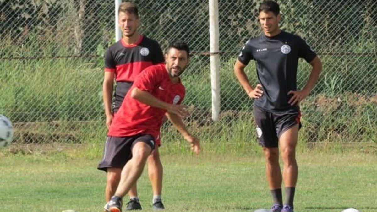 Nicolás Aguirre es uno de los jugadores de experiencia en FADEP.