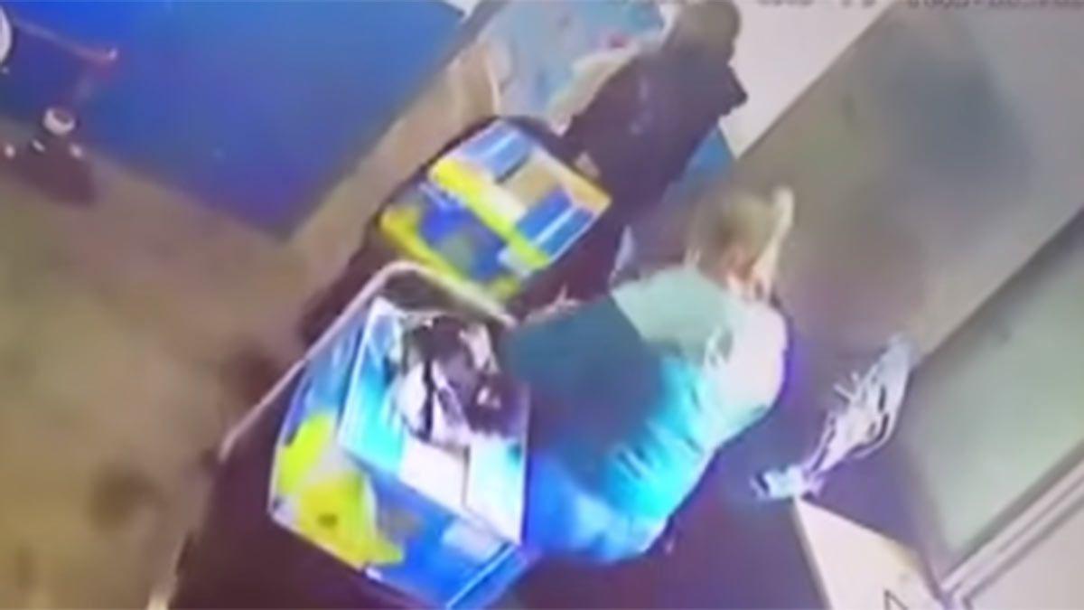 Captura de video. El momento en que dos presos se fugaron de prisión.