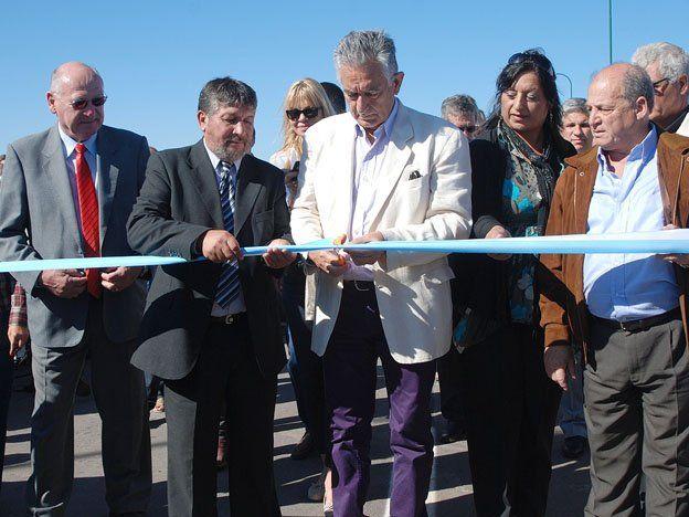 """San Luis inauguró una autopista de 256 kilómetros y la bautizó """"Autopista por la Paz del Mundo"""""""