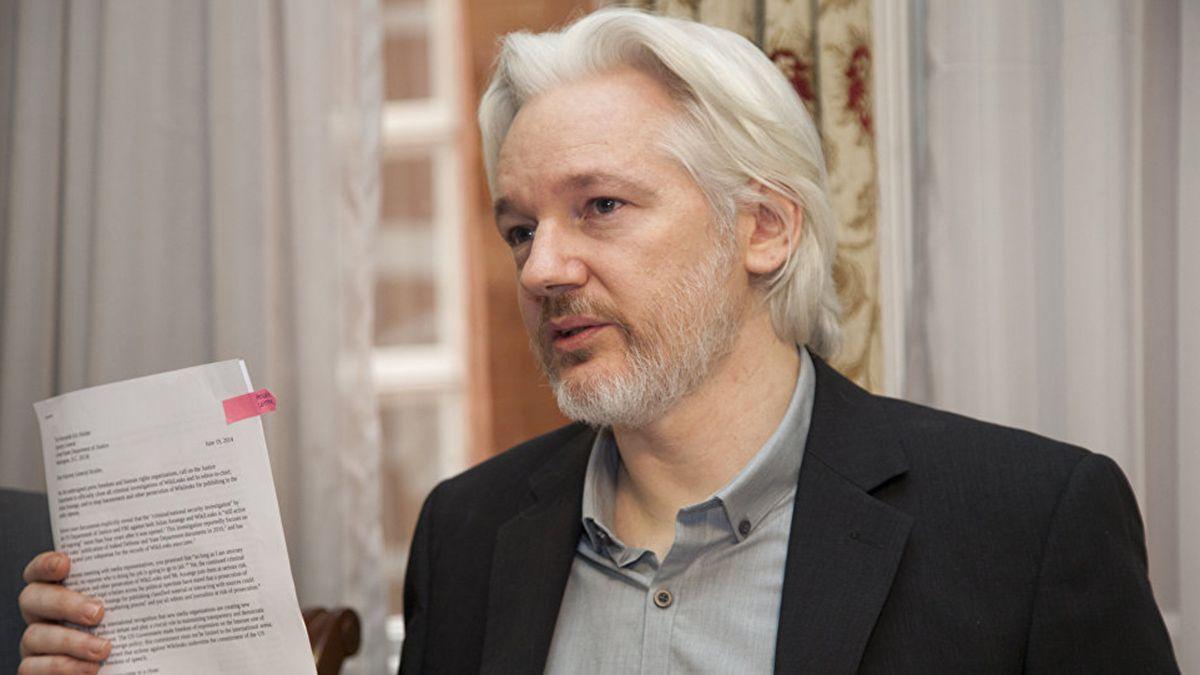 Julian Assange sigue en prisión.