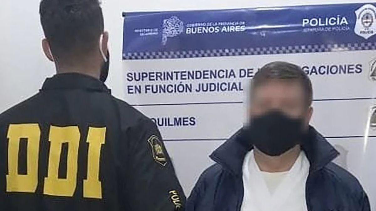 El falso médico fue detenido en una clínica privada de Quilmes luego de varias denuncias en las redes sociales