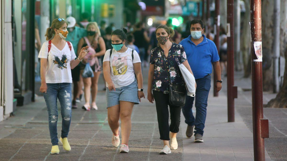 Los contagios de coronavirus en Mendoza comenzaron a subir de manera paulatina desde que arrancó febrero.