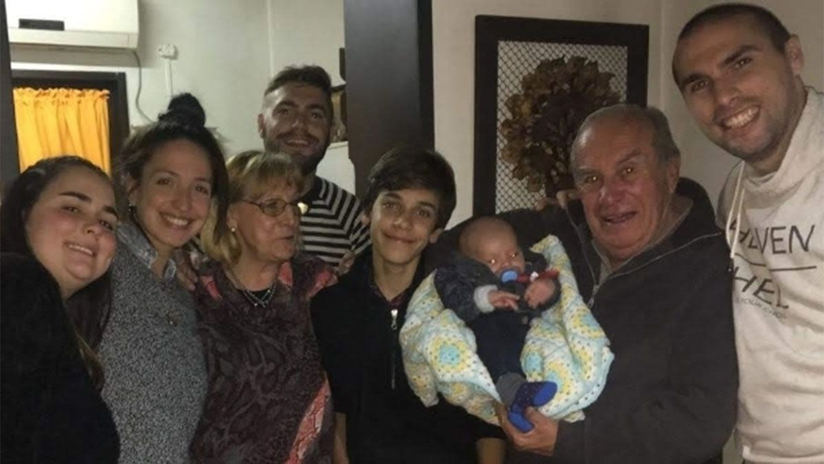 Esta es otra imagen feliz de la familia Oruez.