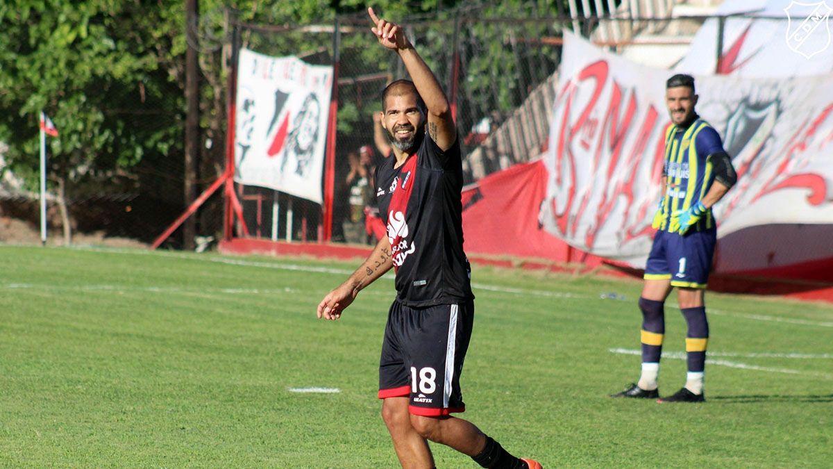 El Mono Taborda debutó con un gol en el Deportivo Maipú.