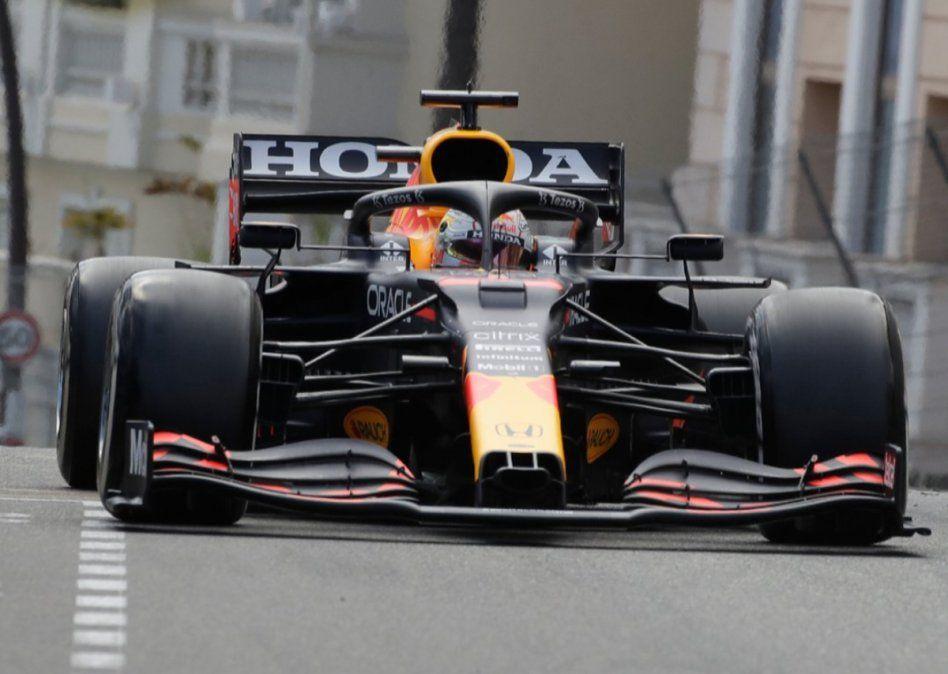 Max Verstappen ganó en Mónaco y lidera el campeonato