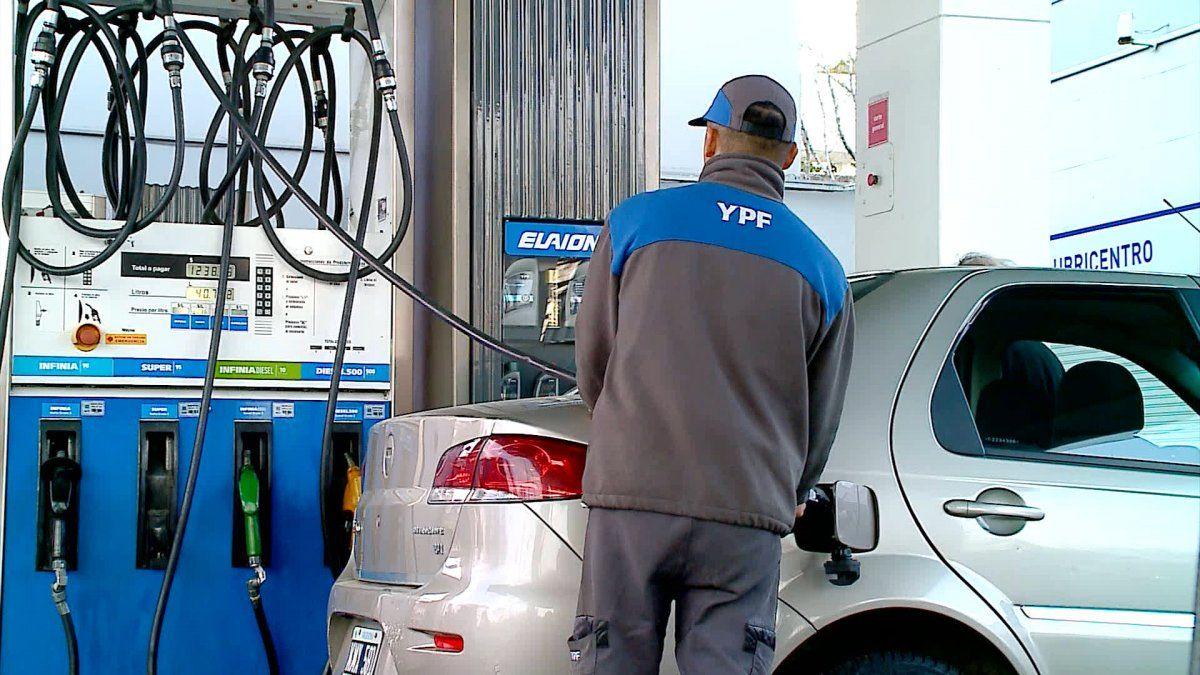 YPF subió los combustibles.