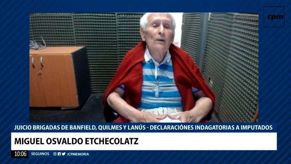 Etchecolatz declaró por videoconferencia desde el penal de Campo de Mayo.