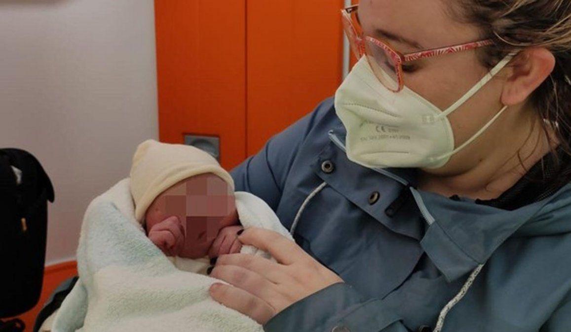 El bebé abandonado en los brazos de Rocío