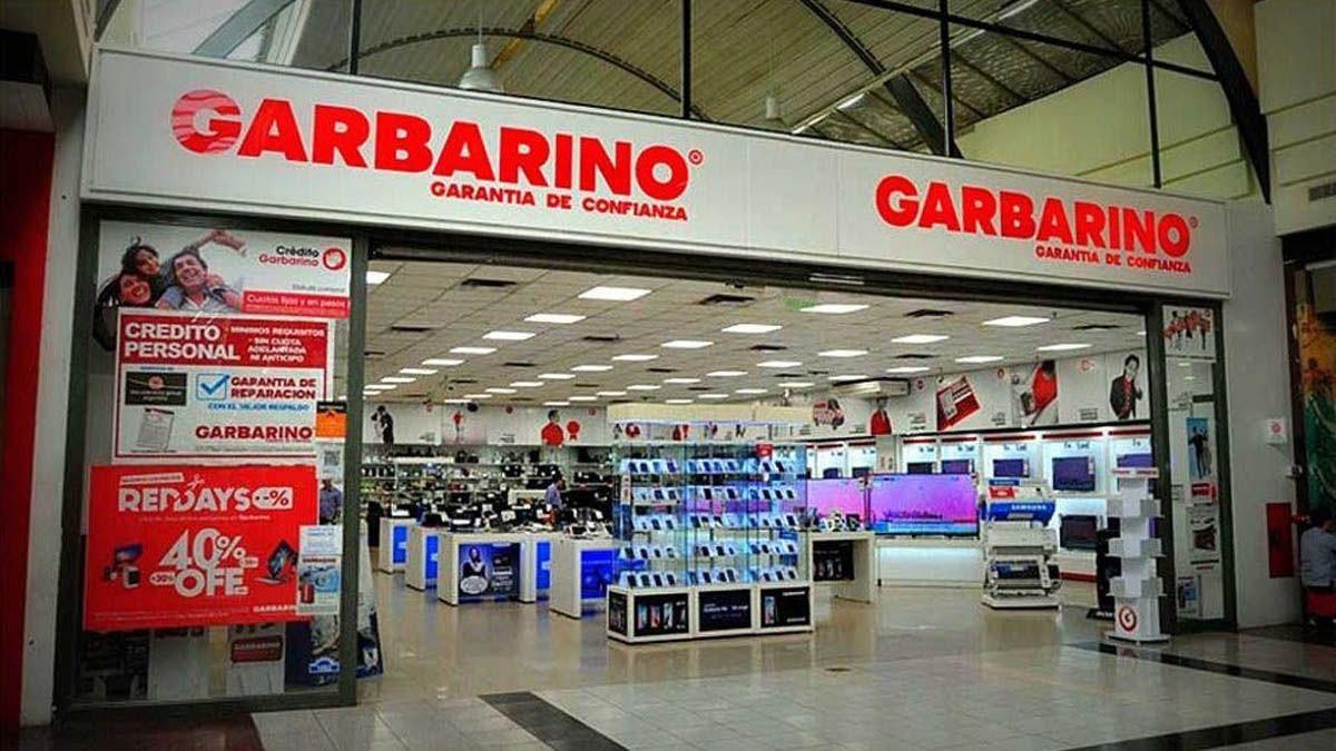 Es inminente el cierre del local de Garbarino en Palmares.