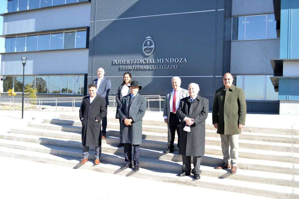 Todos los miembros de la Corte recorrieron las instalaciones.