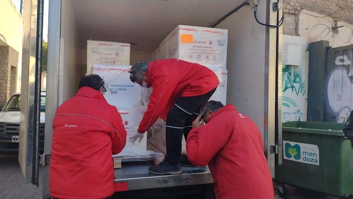 Llegaron más de 29.000 dosis de Sinopharm a Mendoza