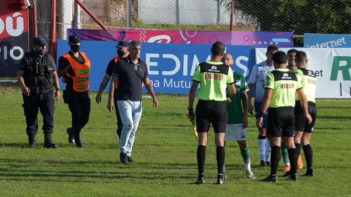 El DT perdió su primer partido desde que volvió a Independiente Rivadavia.