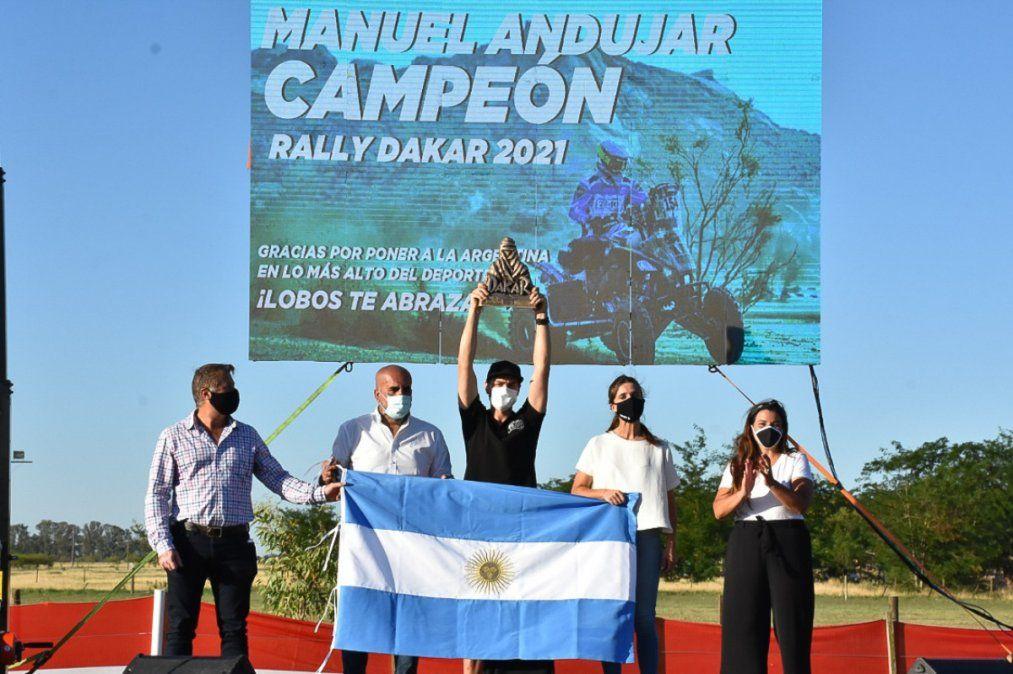 Inés Arrondo distinguió a Manuel Andújar, ganador del Dakar