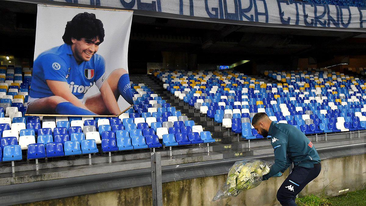 Napoli le ofreció otro insigne homenaje a Maradona