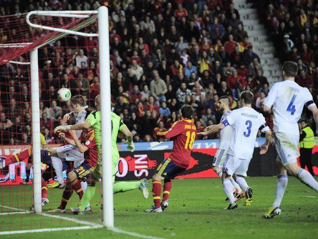 España y Portugal se complicaron en las eliminatorias europeas