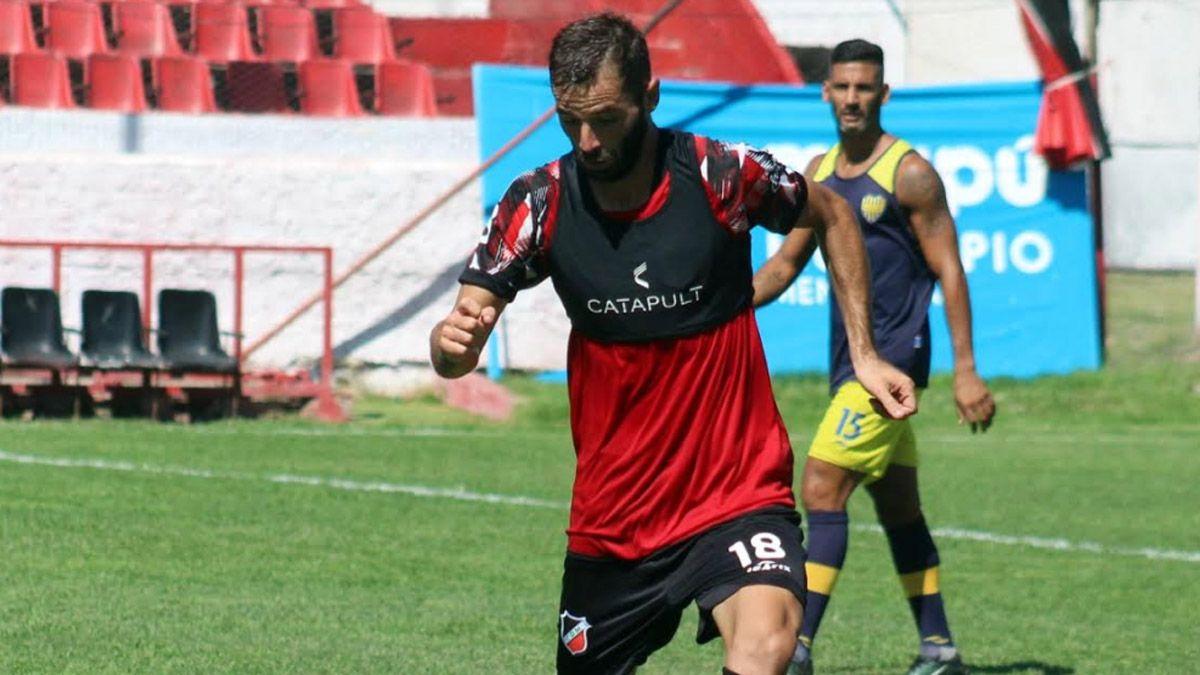 Tonetto disfruta jugar la Primera Nacional para el Cruzado