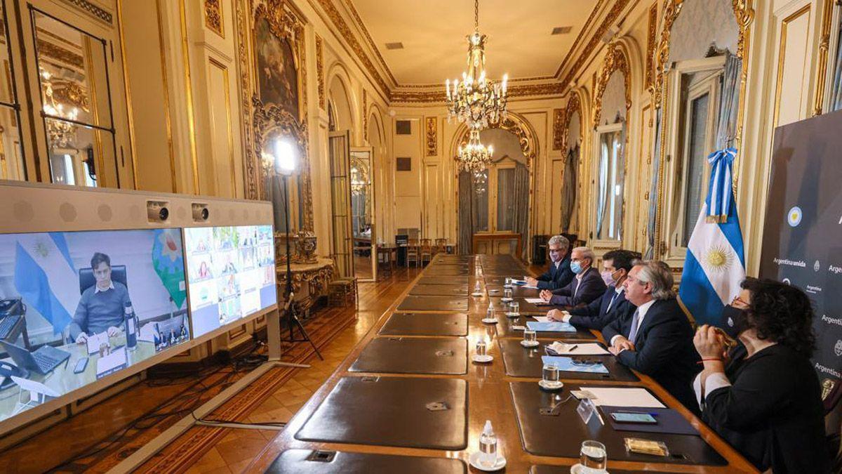 Alberto Fernández y parte de su gabinete en la videconferencia con los gobernadores incluido Rodolfo Suarez.