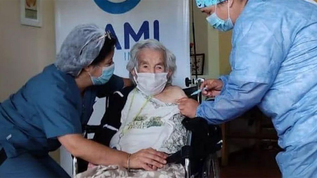 Casilda Ramona Benegas Gallegoes la persona viva más longeva de Argentina y la más longeva en toda la historia del país.
